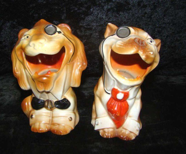 19: Lot of 2 MV Co. Figurines