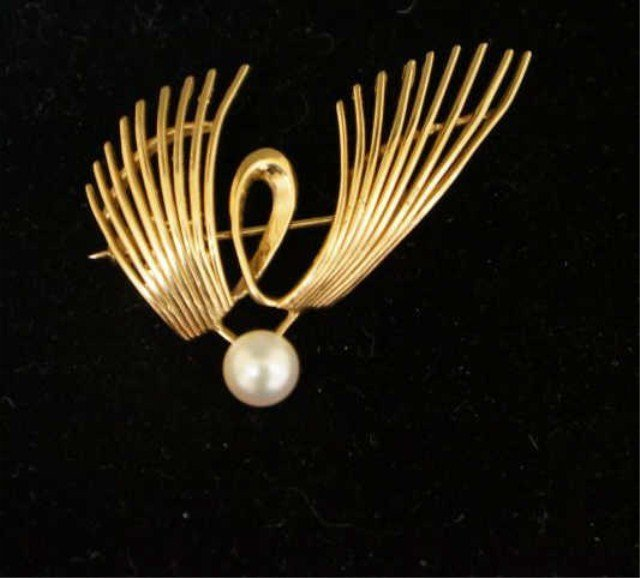 12: 14k Gold Wing Form Pin with Center Pearl
