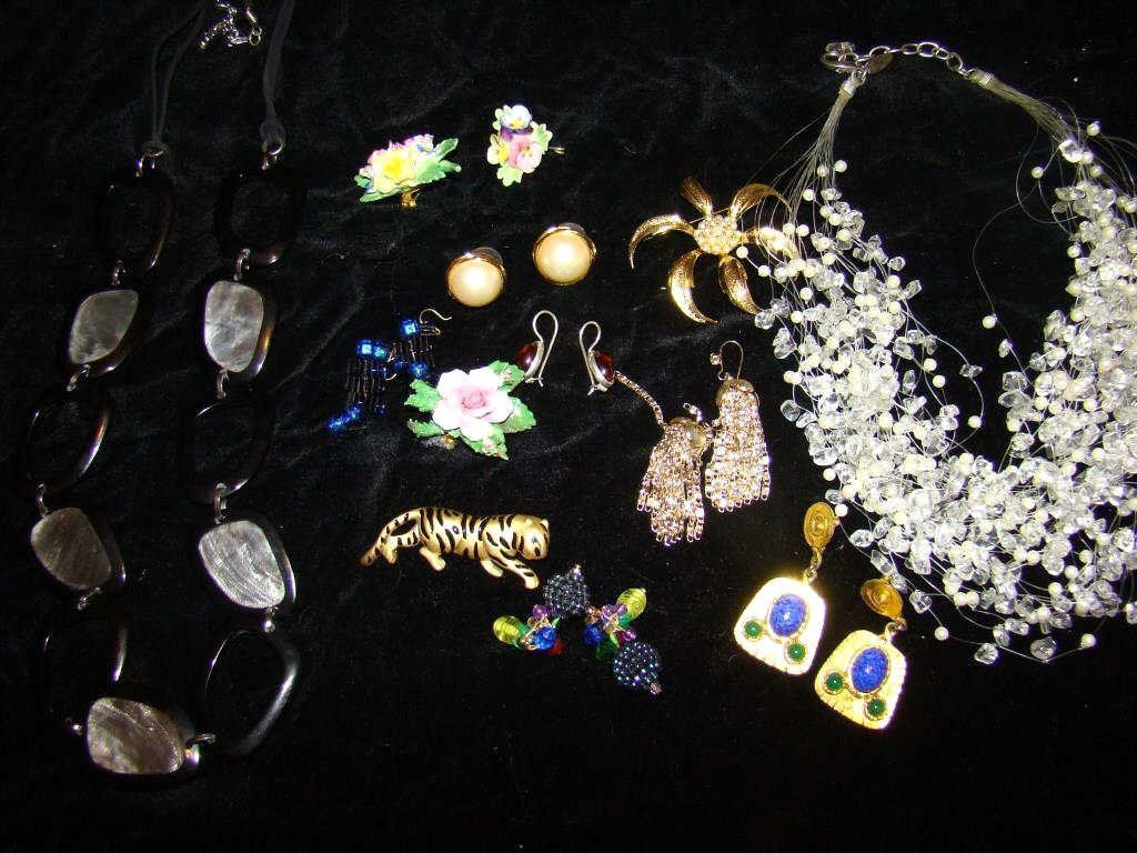 Assorted Lot of Contemporary Jewelry