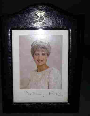 Signed Autograph of Princess Diana