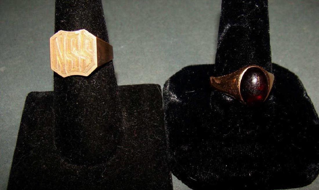 Lot of 2  Men's Rings 10kt Gold