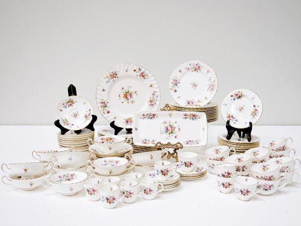 "2: 110 Pieces of Marlow Bone China ""Minton"" Pattern"