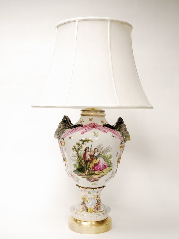 22: German Gilded and Decorated Porcelain Table Lamp - 3