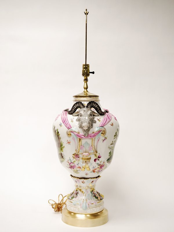 22: German Gilded and Decorated Porcelain Table Lamp - 5