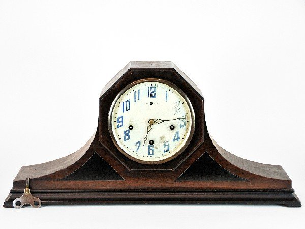 5: The New Haven Clock Co. Wooden Mantle Clock with Ori