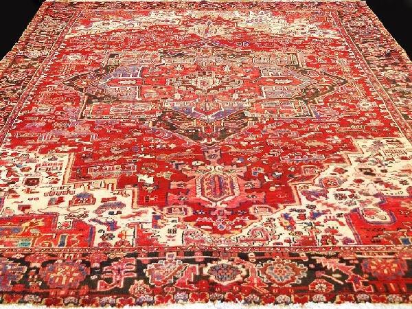179: Persian Heriz Rug