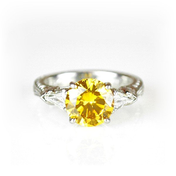 71: A 2.36 CARAT ROUND NATURAL FANCY COLOR DIAMOND (GIA