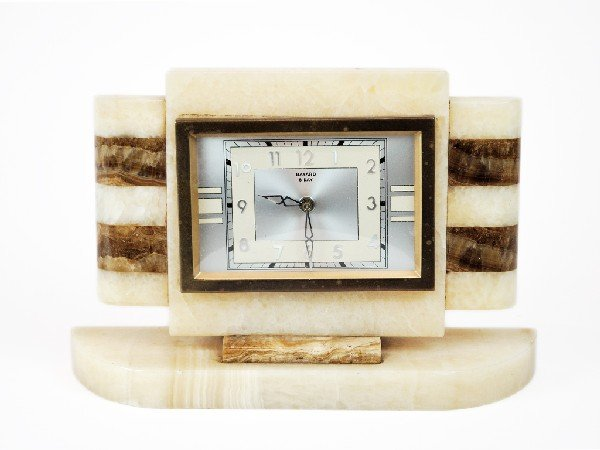 22: ART DECO EIGHT DAY QUARTZ CLOCK Made by Bayard
