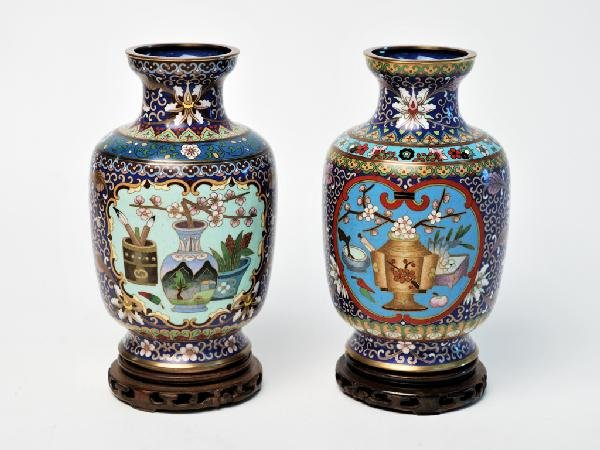 8: A PAIR OF BLUE CLOISSONE STYLE URNS