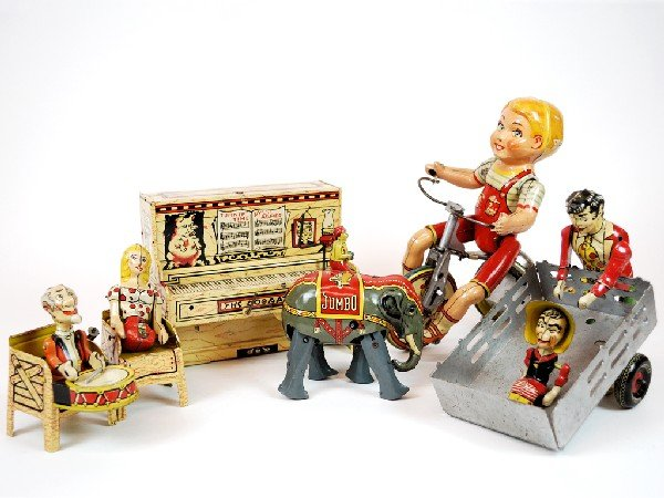 14: A MISCELLANEOUS GROUP OF VINTAGE METAL TOYS