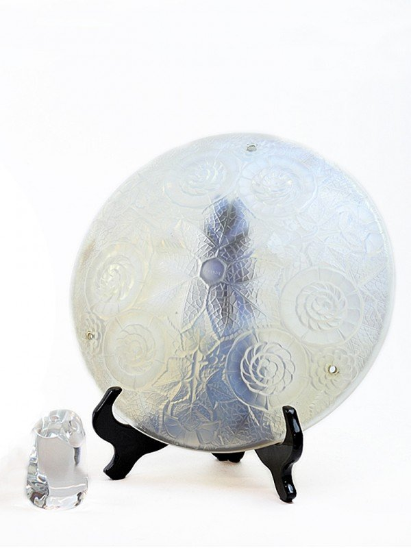 17: ONE DOMED FROSTED GLASS FIXTURE AND A BACCARAT CRYS
