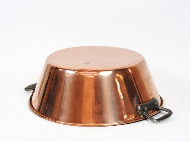 23: A COPPER JAM PAN