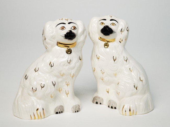 1: A PAIR OF STAFFORDSHIRE STYLE DOGS