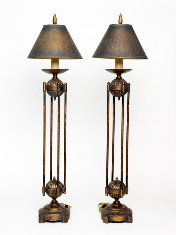 20: A PAIR OF ART DECO STYLE COPPER PATINATED BRONZE TA