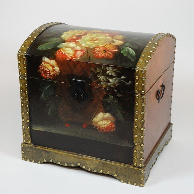 3: A TRIO OF NESTED TRUNKS WITH HAND PAINTED FLORAL MOT
