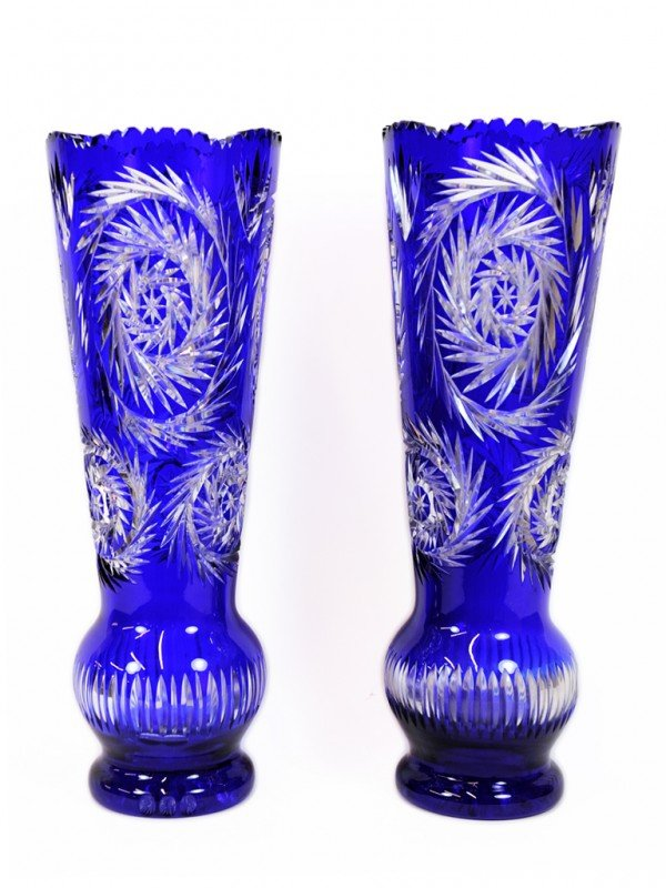 14: A PAIR OF COBALT AND CLEAR CUT GLASS VASES