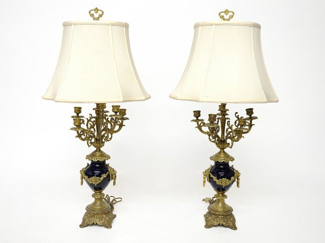 21: A PAIR OF SEVRES-STYLE COBALT PORCELAIN TABLE LAMPS