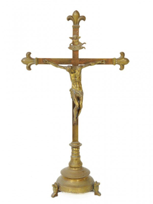 9: A FRENCH BRONZE SCULPTURE DEPICTING THE CRUCIFIXION