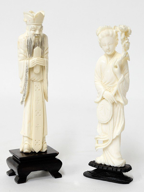 6: A PAIR OF CARVED IVORY FIGURAL OKIMONOS China