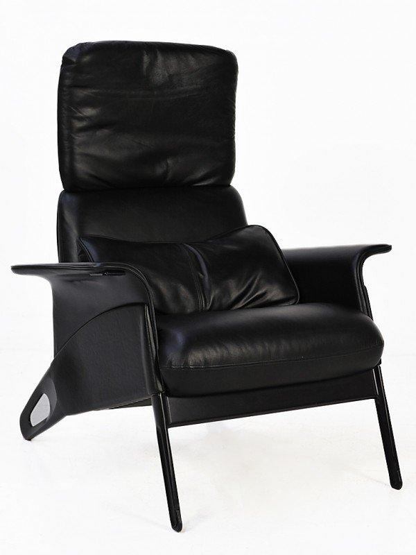 131: EIGHTIES EASY Chair Design: Geoff Hollington (1989