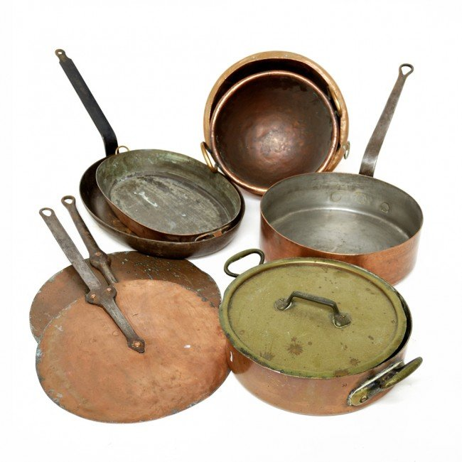 7: A GROUP OF NINE ITALIAN COPPER COOKING UTENSILS