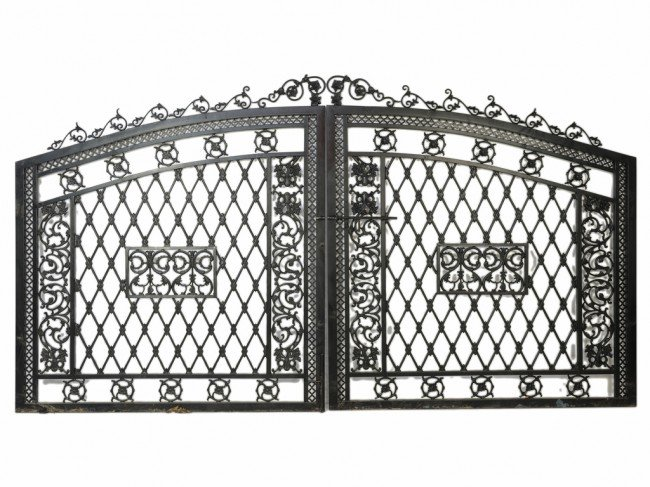 12: A PAIR OF CUSTOM CAST IRON ARCHED DRIVEWAY GATES