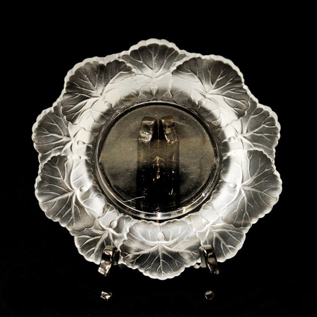21: A FRENCH LALIQUE ART GLASS DISH FROSTED LEAFY RIM