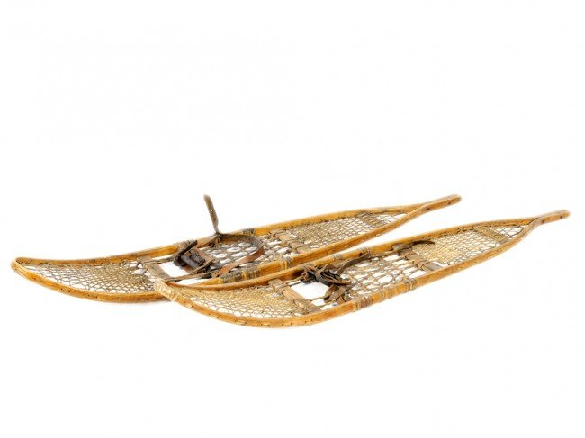 1A: A PAIR OF VINTAGE SNOW SHOES, WOOD METAL AND ROPE C