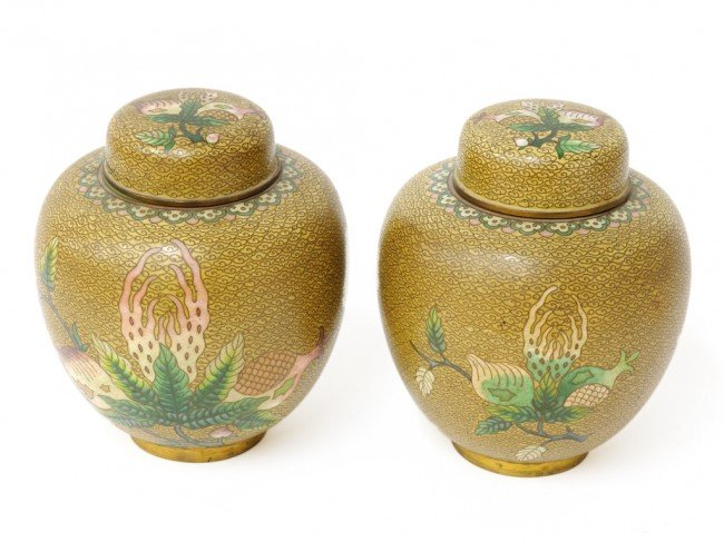 8: A PAIR OF CHINESE CLOISONNE LIDDED JARS, Circa 1940