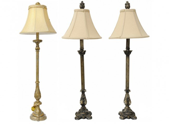 18: A LOT OF THREE TABLE LAMPS WITH SHADES