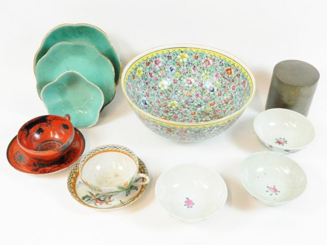 11: A LOT OF VINTAGE CHINESE PORCELAIN BOWLS, CUPS AND