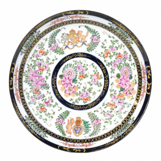13: AN ANTIQUES CHINESE EXPORT PORCELAIN CHARGER FOR DU