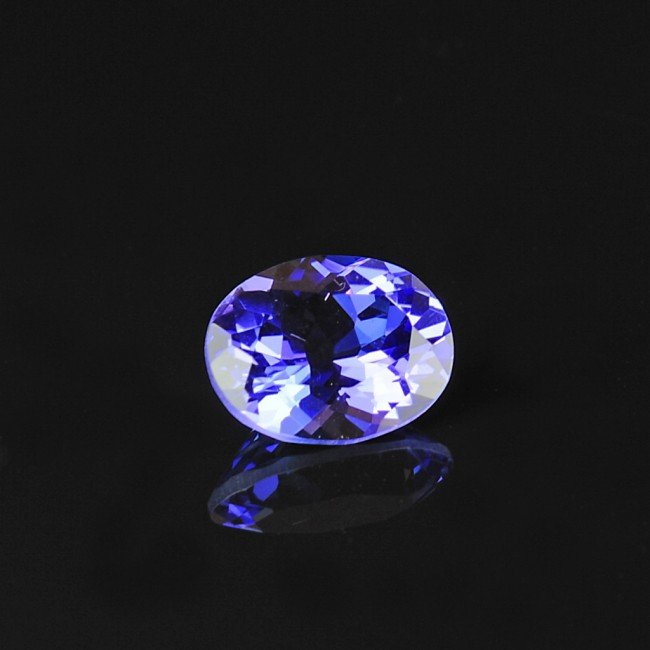 21: 8.49 Ct OVAL FACETED TANZANITE