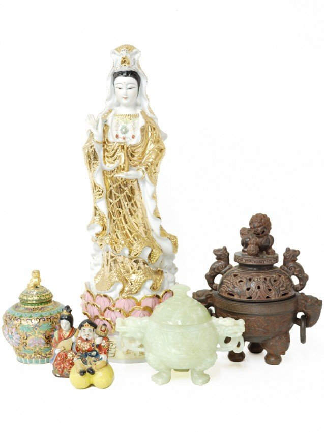 9: A GROUP OF MISCELLANEOUS ASIAN COLLECTIBLES 6 pieces
