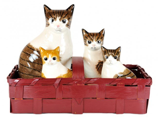 16: A BASKET WITH FOUR HAND PAINTED PORCELAIN CATS AND
