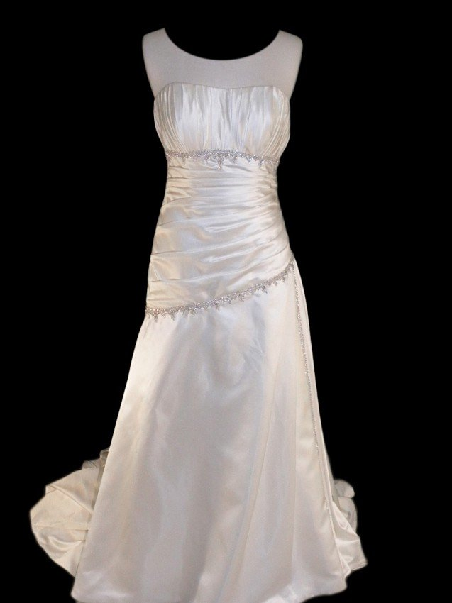 10: WEDDING GOWN by Emerald Bridal Size 10 Style Name/N