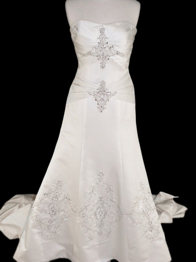 11: WEDDING GOWN by Emerald Bridal Size 8 Style Name/Nu