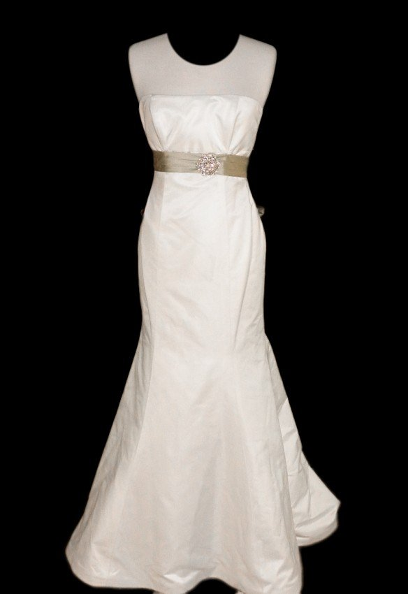 12: WEDDING GOWN by Paloma Blanca Size 10 Style Name/Nu