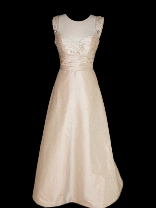 13: WEDDING GOWN by Paloma Blanca Size 10 Style Name/Nu