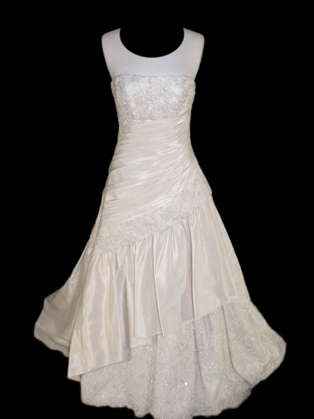14: WEDDING GOWN by Maggie Sottero Size 10 Style Name/N