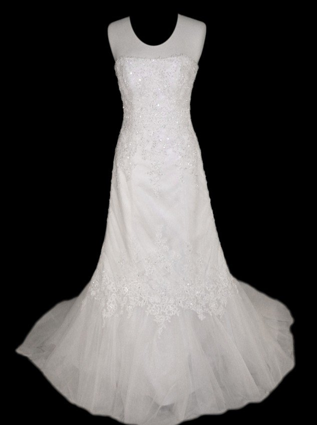 17: WEDDING GOWN by Maggie Sottero Size 10 Style Name/N