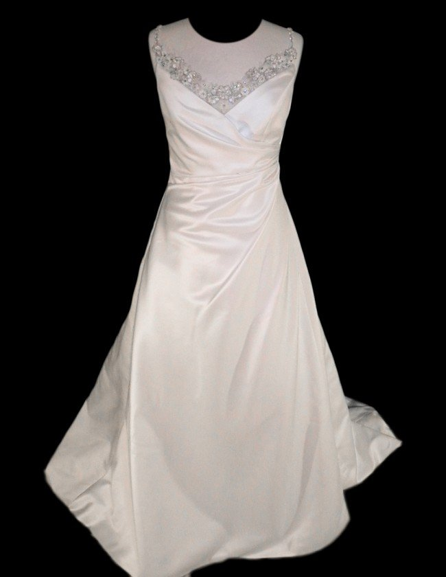 19: WEDDING GOWN by Jasmine Size 12 Style Name/Number:
