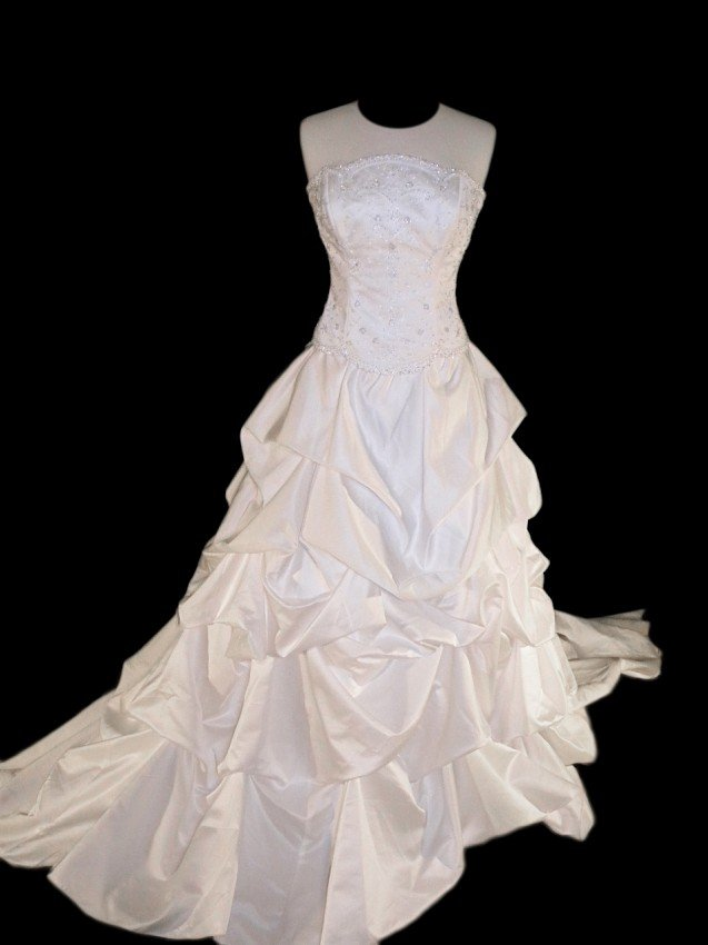 20: WEDDING GOWN by Maggie Sottero Size 12 Style Name/N
