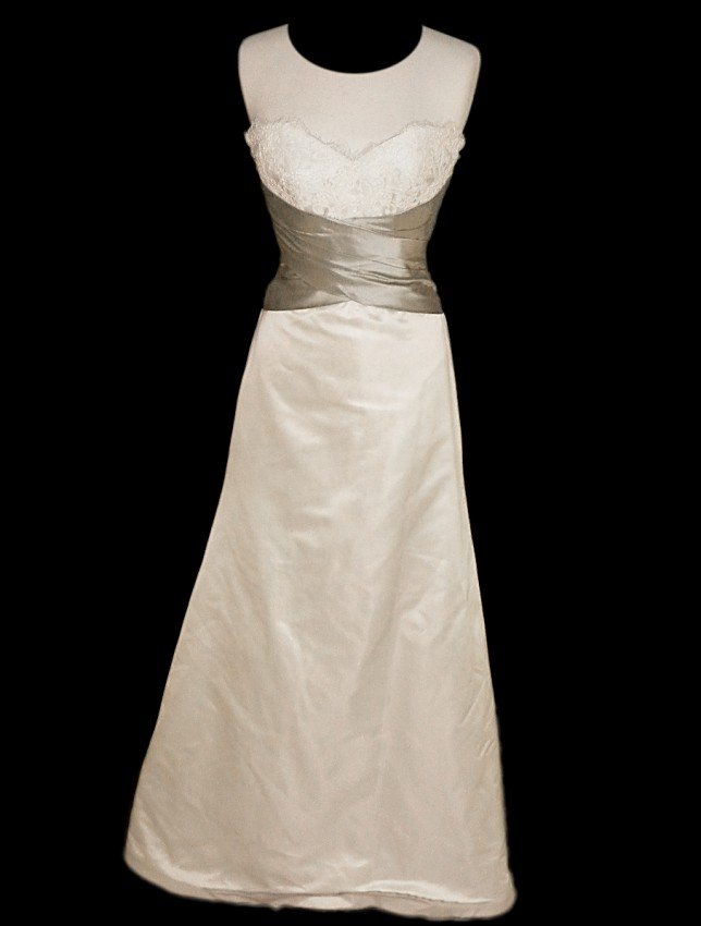 22: WEDDING GOWN by Paloma Blanca Size 8 Style Name/Num