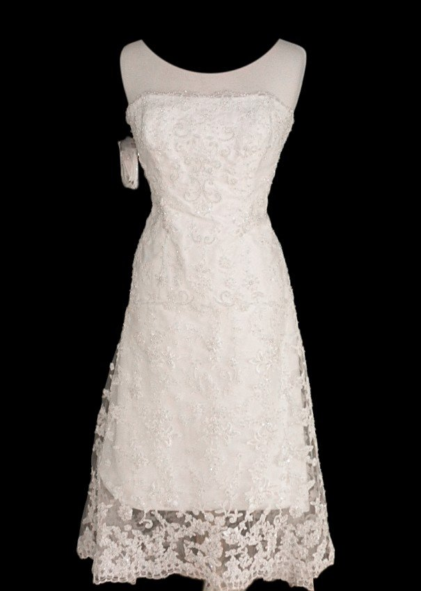 52: WEDDING GOWN by ALFRED ANGELO Size 12 Style Name/Nu