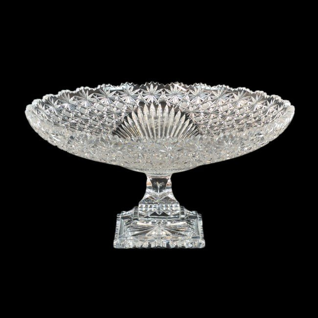 19: A CUT CRYSTAL COMPOTE
