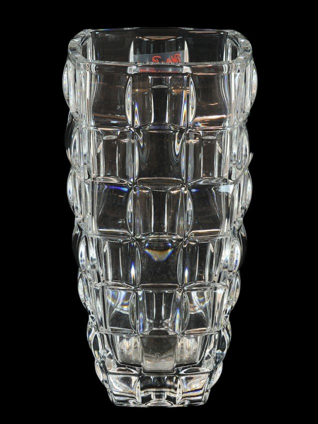 4: A PALOMA PICASSO SQUARE SHAPED GLASS VASE