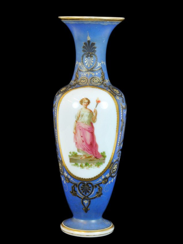6: A HAND PAINTED GLASS VASE WITH GILT ACCENTS