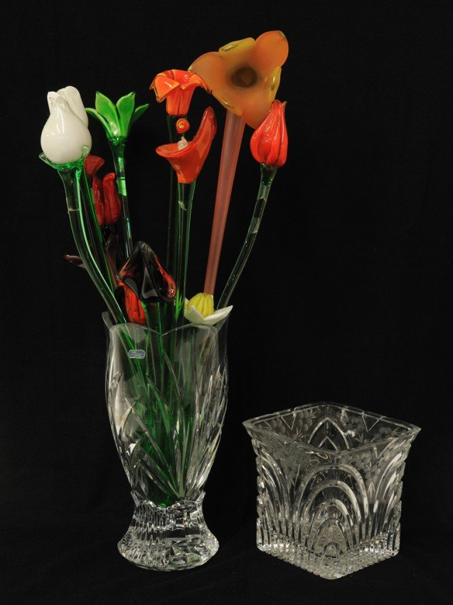 9: A PAIR OF CRYSTAL VASES WITH TWELVE GLASS FLOWERS 14