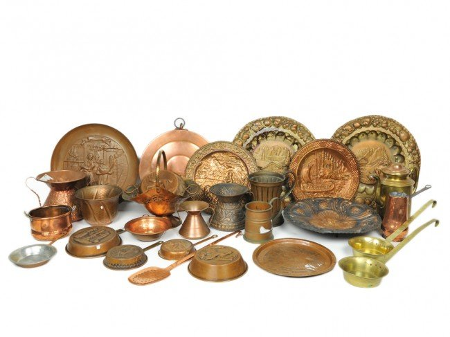 13: A GROUP OF 29 PIECES OF COPPER AND A COPPER LANTERN